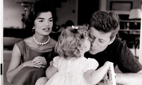Jacky Kennedy Symbol of Elegance